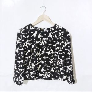 🌻Katherine Barclay Black and White Floral Top